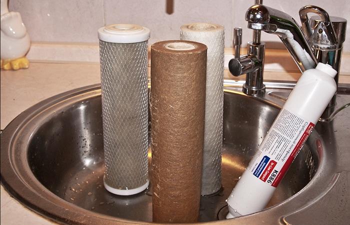замена фильтров холодной и горячей воды